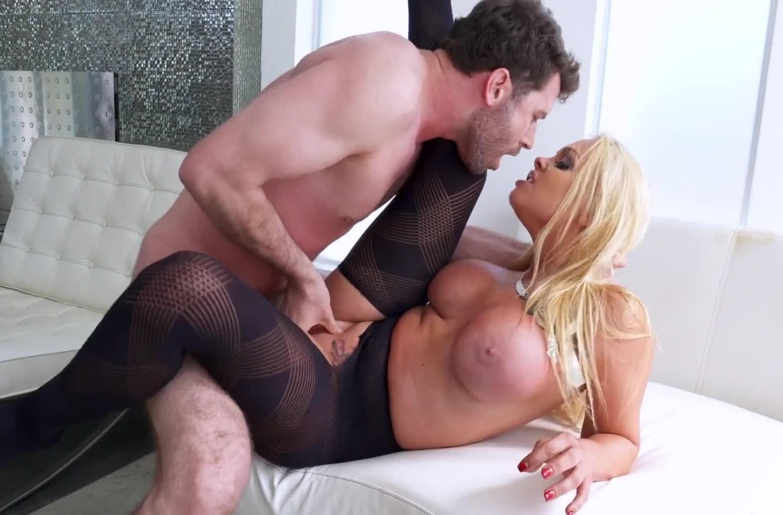 подборка порно роликов с джесси джеймс